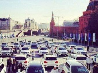 Медведев вручил олимпийцам 45 белый внедорожников Mercedes