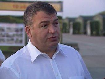 СМИ: Сердюков попросил об амнистии