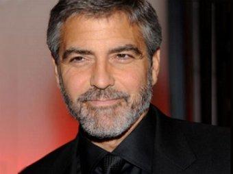 Клуни чудом избежал смерти, оказавшись под прицелом АК-47