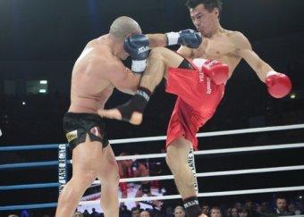 Бату Хасиков - Майк Замбидис: реванш 28 марта принес победу россиянину (ВИДЕО)