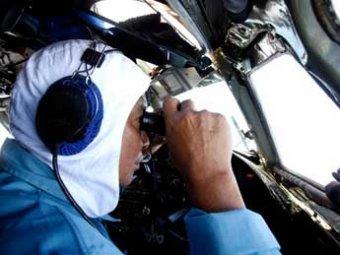 Эксперты: малазийский Boeing мог пропасть из-за самоубийства второго пилота