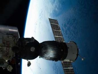 Новый экипаж прибыл на МКС и исследовал аварийный маршрут