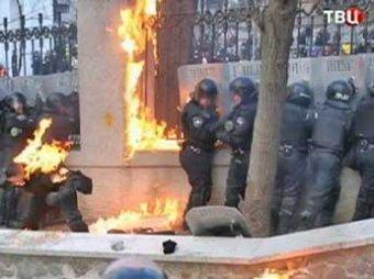 В ходе беспорядков в украинском Николаеве пострадали 10 человек (ВИДЕО)