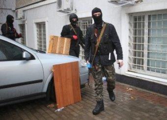 Украина, новости на 12 апреля: неизвестные захватили райотдел милиции в Донецкой области