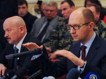 """Яценюк: """"Путин раньше о сортирах рассказывал, а теперь поддерживает террористов"""""""