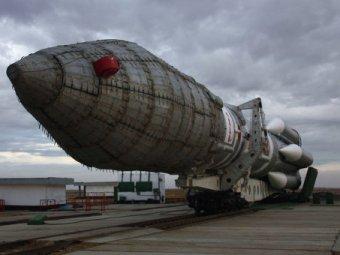 """Ракета-носитель """"Протон-М"""" со спутником упала после запуска (ВИДЕО)"""