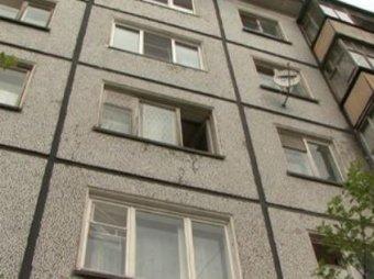 В Новосибирске годовалый ребёнок упал с 10-го этажа