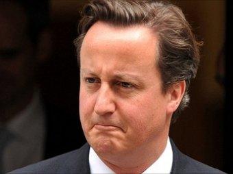 """Телеведущий BBC в прямом эфире попросил британского премьера """"заткнуться"""""""