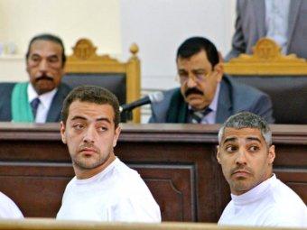 В Египте суд отправил семь журналистов в тюрьму на срок до 10 лет за поддержку Мурси