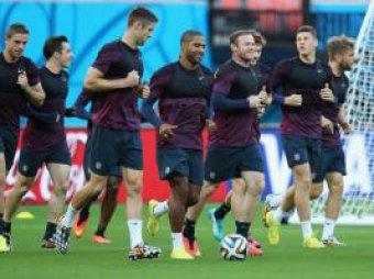 В английской сборной разгорелся скандал из-за голой девушки