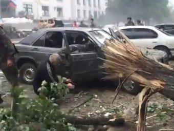 Луганск после авиаудара: шокирующее видео появилось в Сети (ВИДЕО)