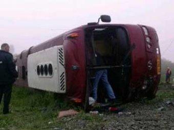 На Сахалине тепловоз протаранил пассажирский автобус: 5 погибших, 7 пострадавших