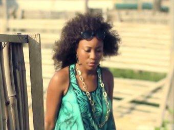В Нигерии местная певица предложила свою девственность в обмен на похищенных школьниц
