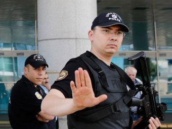 В Турции россияне и украинцы устроили массовую драку