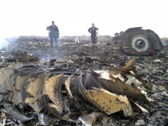"""""""Боинг 777"""" сбит над Украиной ракетой – разведка США (фото, видео)"""
