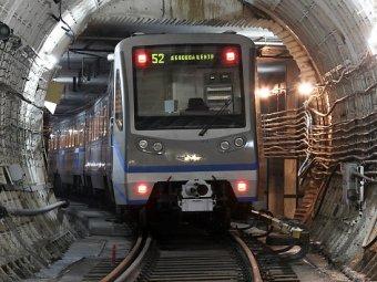 В московском метро машинист уснул в кабине поезда