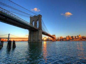 В Нью-Йорке обрушилась часть Бруклинского моста: пострадали 5 человек