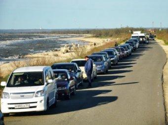 Очередь на паром из Крыма увеличилась до 30 часов