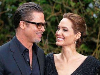 Брэд Питт и Анджелина Джоли поженились (фото)