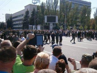 Парад в Донецке 24 августа 2014 прошёл в День независимости Украины (ВИДЕО, ФОТО)