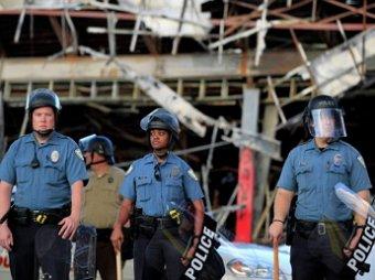 Обама может оставить американских полицейских без армейского вооружения
