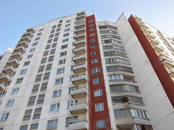 В Москве мать выбросилась из окна вместе с 7-летней дочерью