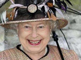 """Кэмерон: королева Елизавета II """"замурлыкала"""" от итогов референдума в Шотландии"""