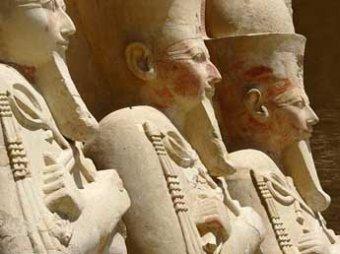 """На Марсе нашли """"египетское изваяние"""" и непонятные кости"""