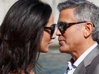 Джордж Клуни тайно женился в Венеции на адвокате Ассанжа (фото, видео)