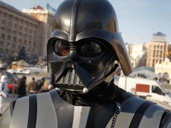 Новости Украины 27 октября 2014: на Украине местный Дарт Вейдер показал избирателям своё лицо