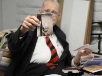 Американский ученый перед смертью показал совместное фото с инопланетянами