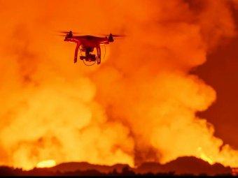 Беспилотник снял уникальное видео извержения вулкана