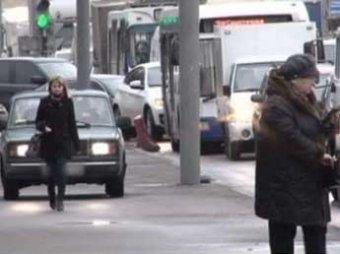 Общественная палата предложили лишать прав за езду по тротуарам