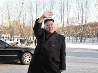 Ким Чен Ын вновь появился на публике с тростью