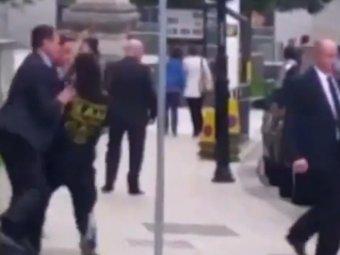 Британского премьера Кэмерона атаковал бегун на улице