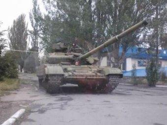 """Британское посольство помогает России """"опознать свои танки"""" в Донбассе"""