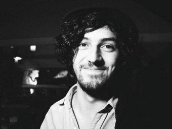 В Испании рок-музыкант умер прямо на сцене от удара током