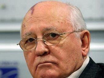 Горбачев планирует встретиться с Меркель в день падения Берлинской стены