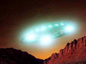 Уфологи обнаружили на орбите Марса светящийся НЛО (ФОТО, ВИДЕО)