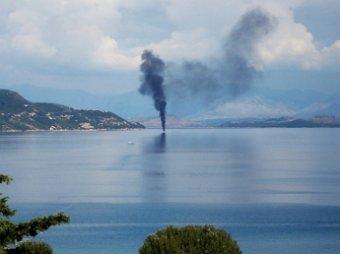 У берегов Греции загорелся пассажирский паром: на борту 467 человек
