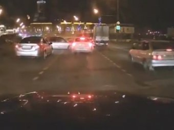 В Сети появилось видео массового ДТП с Porsche в Москве