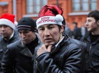 Трудовые мигранты массово покидают Россию из-за курса рубля