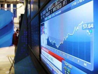 Цена нефти Brent упала ниже , доллар и евро снова растут