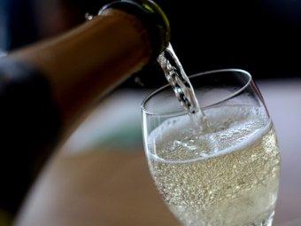 Депутаты Госдумы разрешили рекламу российского вина и пива на радио и ТВ