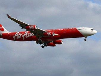 Самолет авиакомпании Air Asia Airbus A320-200 рухнул в океан