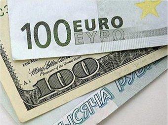 Рубль вновь укрепился по отношению к доллару и евро