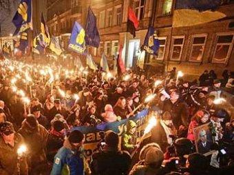 Журналистов LifeNews избили в Киеве во время шествия, МИД РФ возмущен