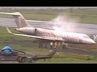 Самолет с филиппинскими министрами загорелся в аэропорту