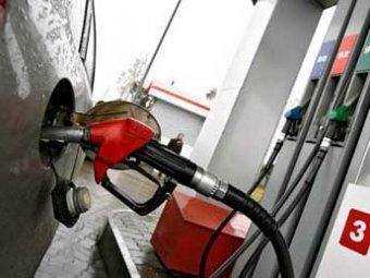 Глава ФАС объяснил высокие цены на бензин в России падением рубля