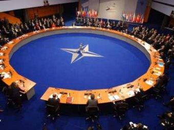 Военные министры НАТО обсудят ядерные угрозы со стороны России